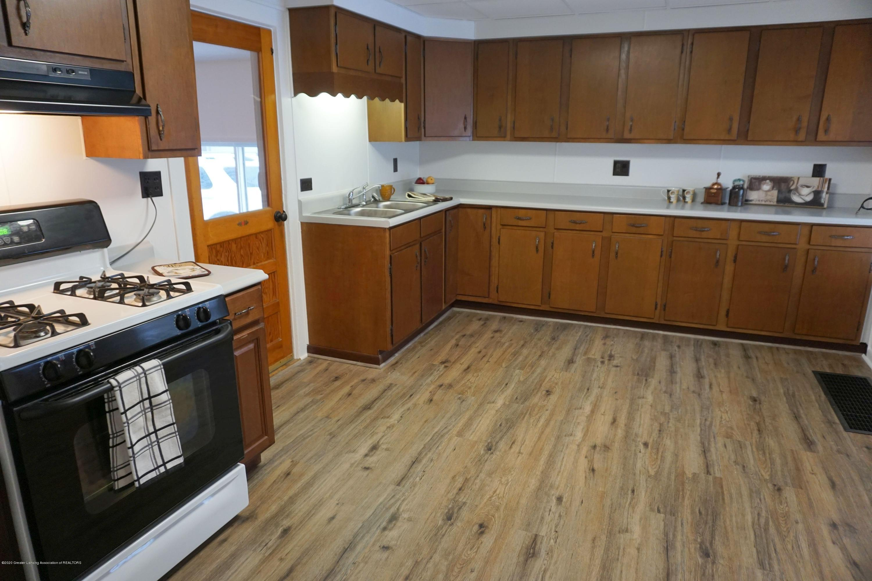 219 W 1st N St - Kitchen Full - 3