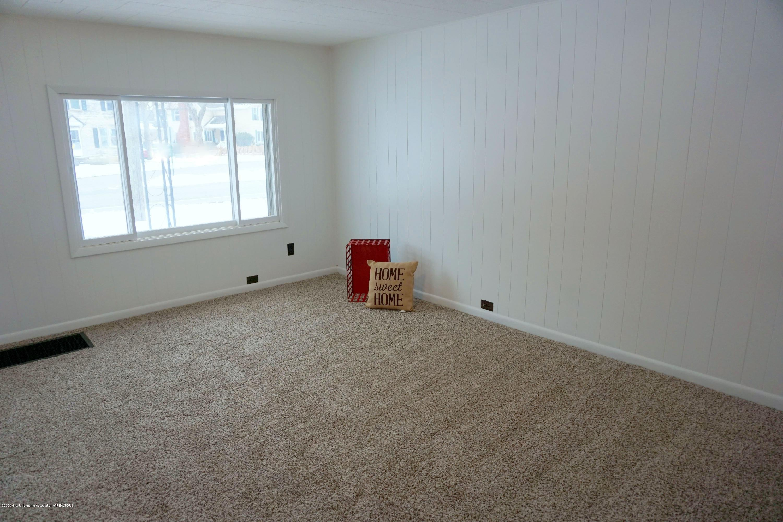 219 W 1st N St - Living Room - 17