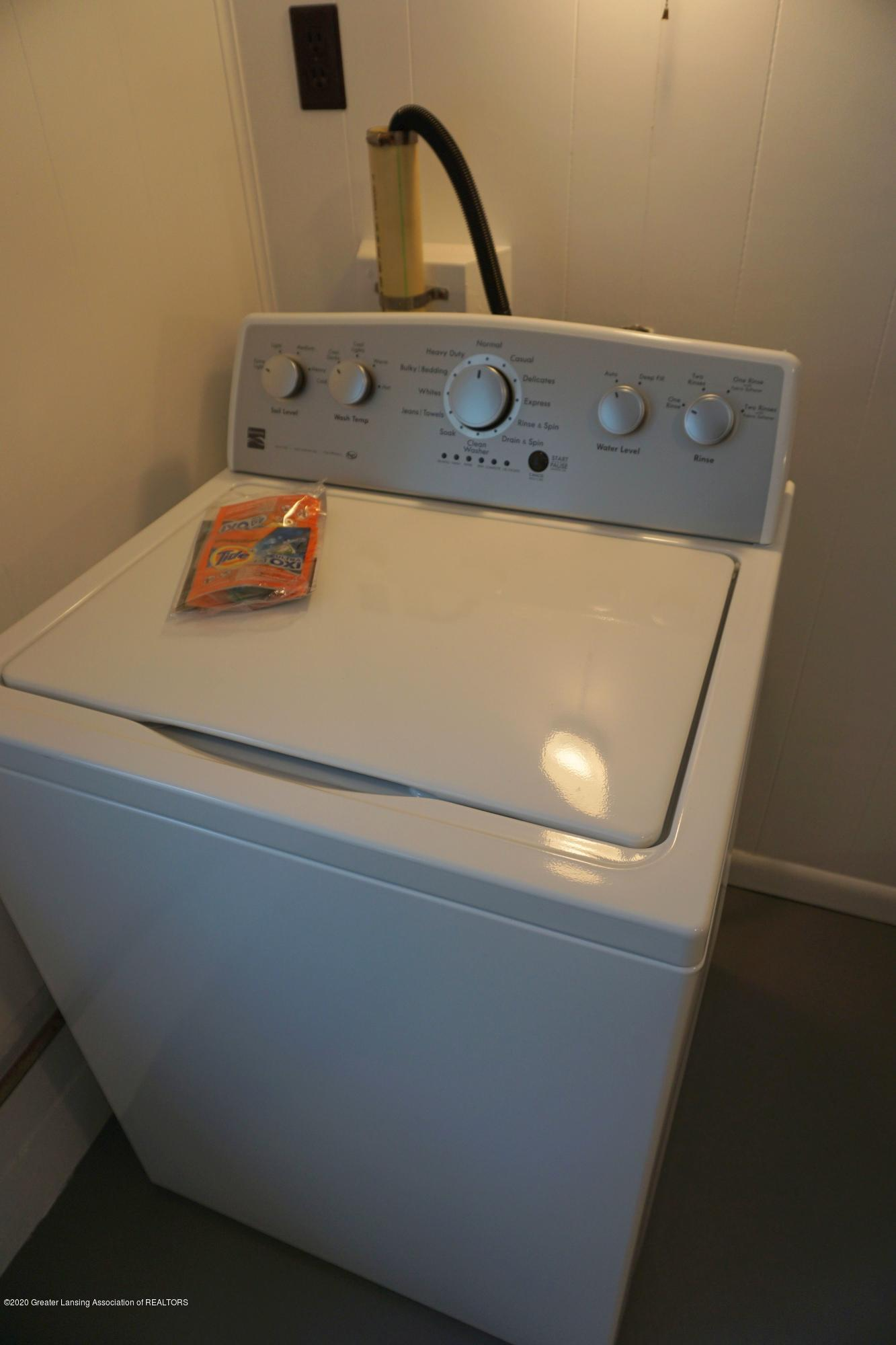 219 W 1st N St - New Washer - 26