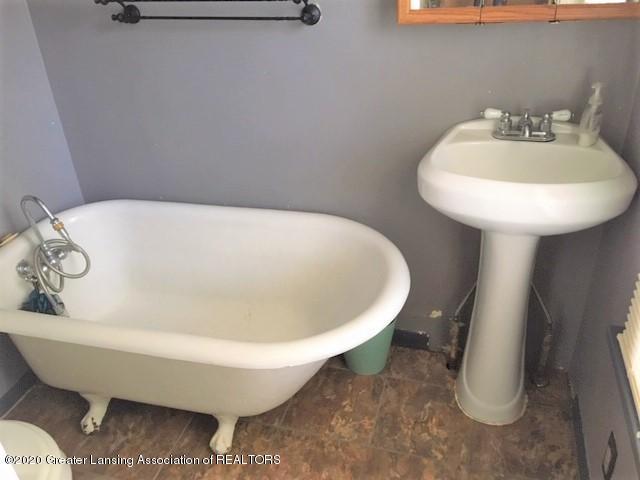 1028 McCullough St - McCollough bath - 6
