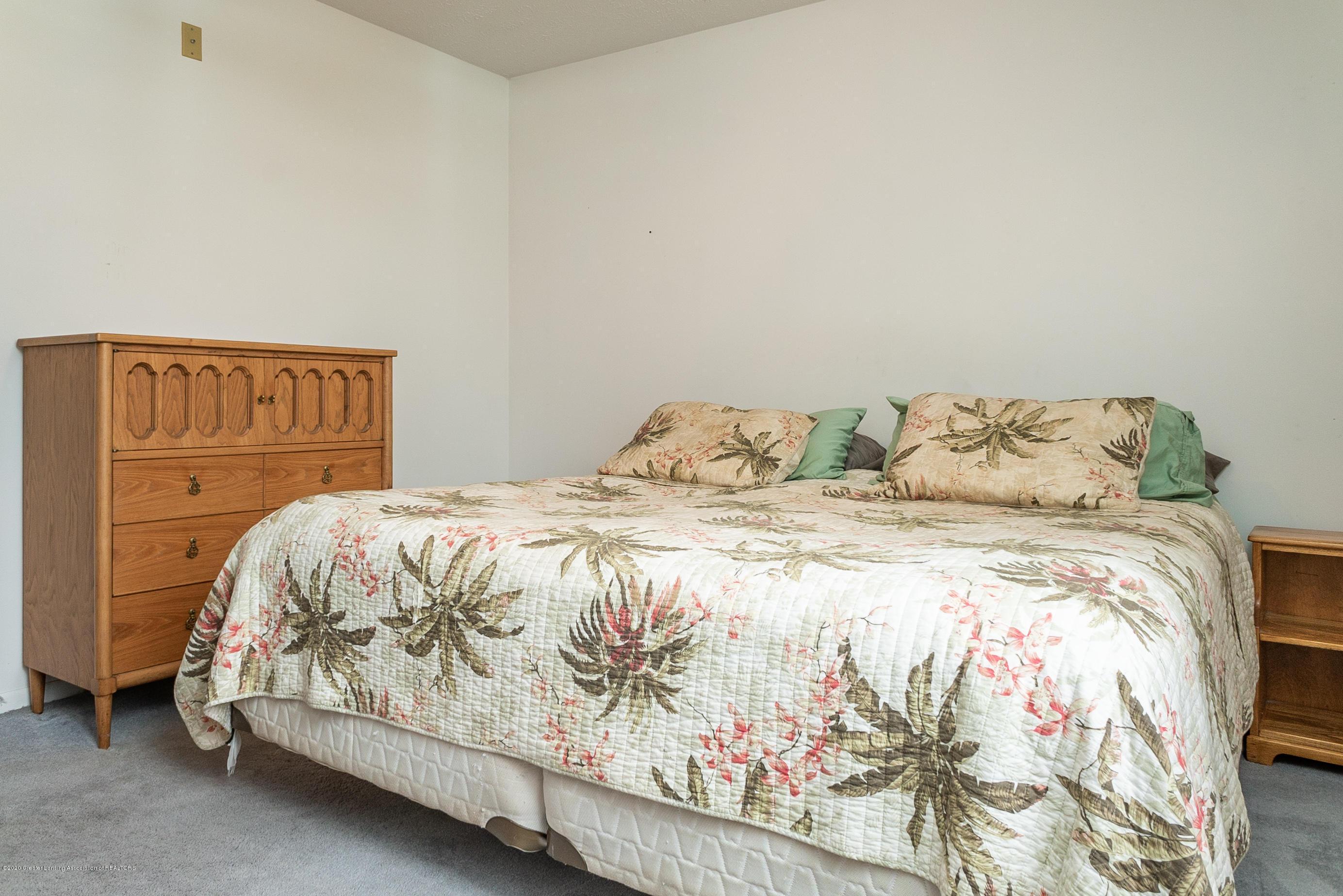 1541 Berkley Dr - 1541 Berkley Master Bedroom - 12