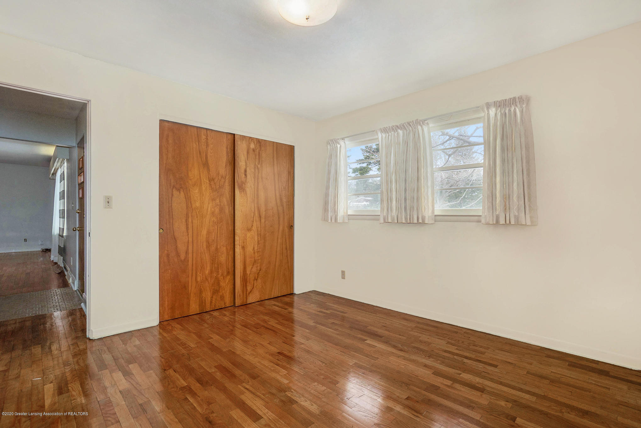 1351 Albert St - Bedroom - 21