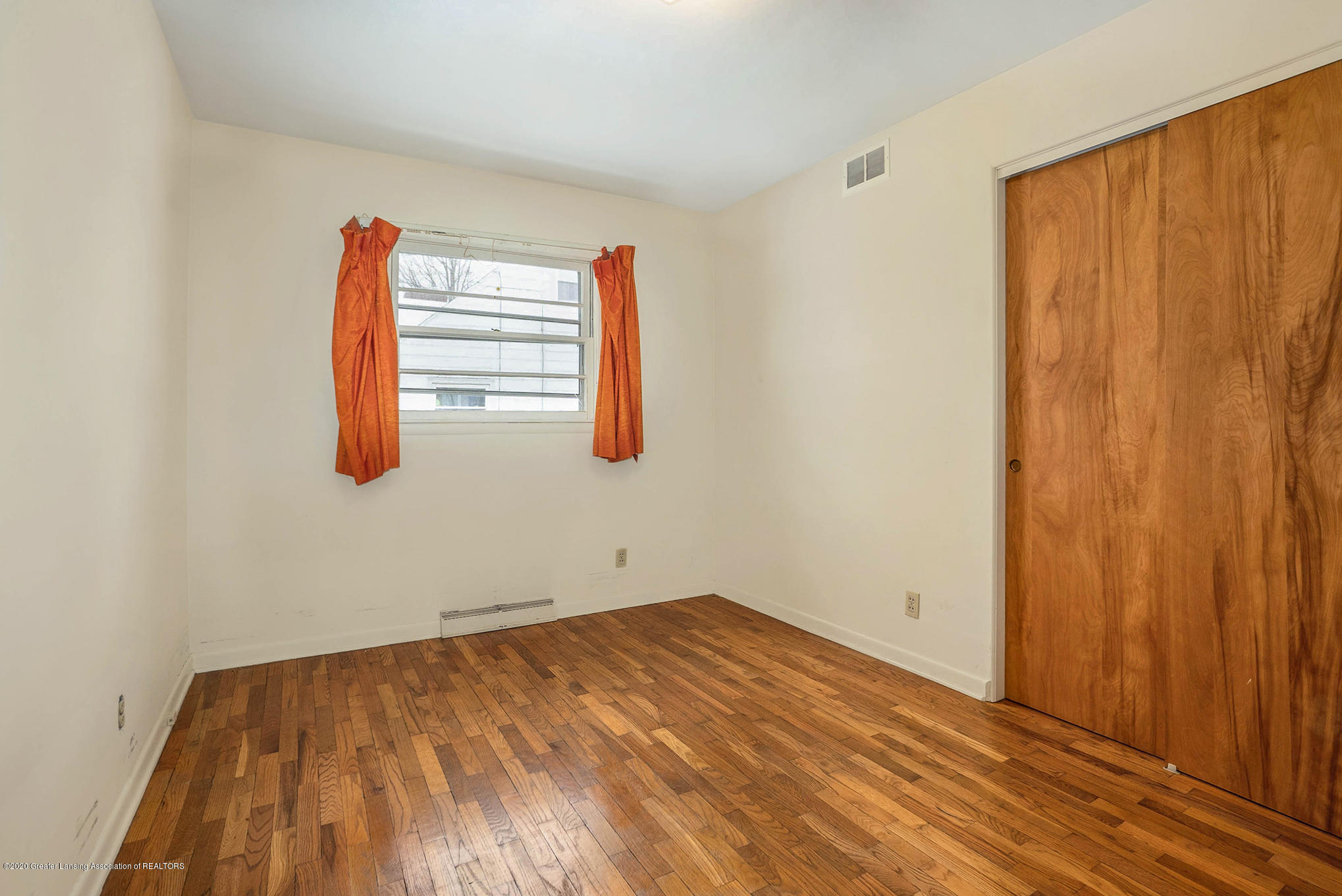 1351 Albert St - Bedroom - 23