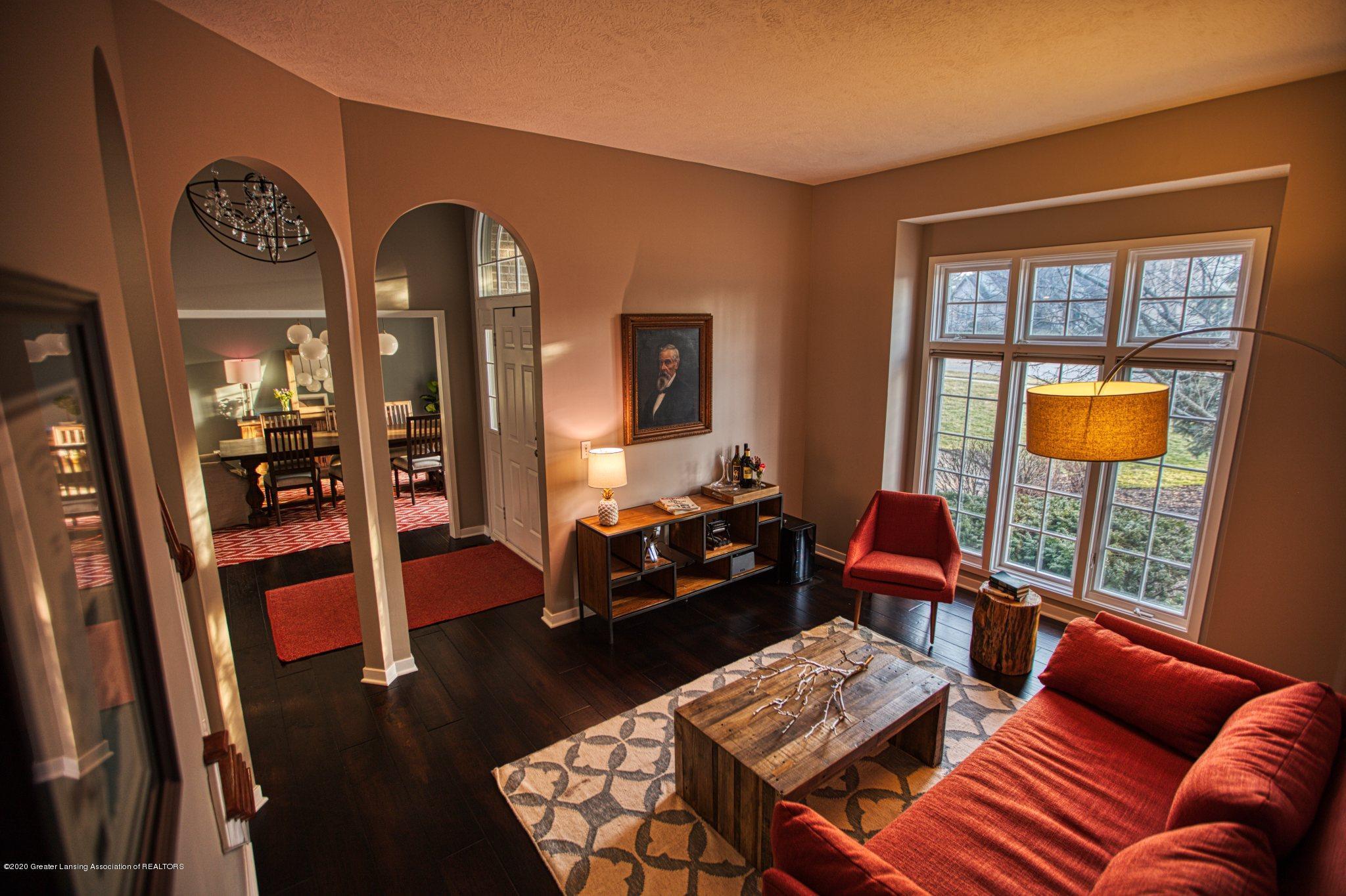 3668 Fairhills Dr - Living Room - 5