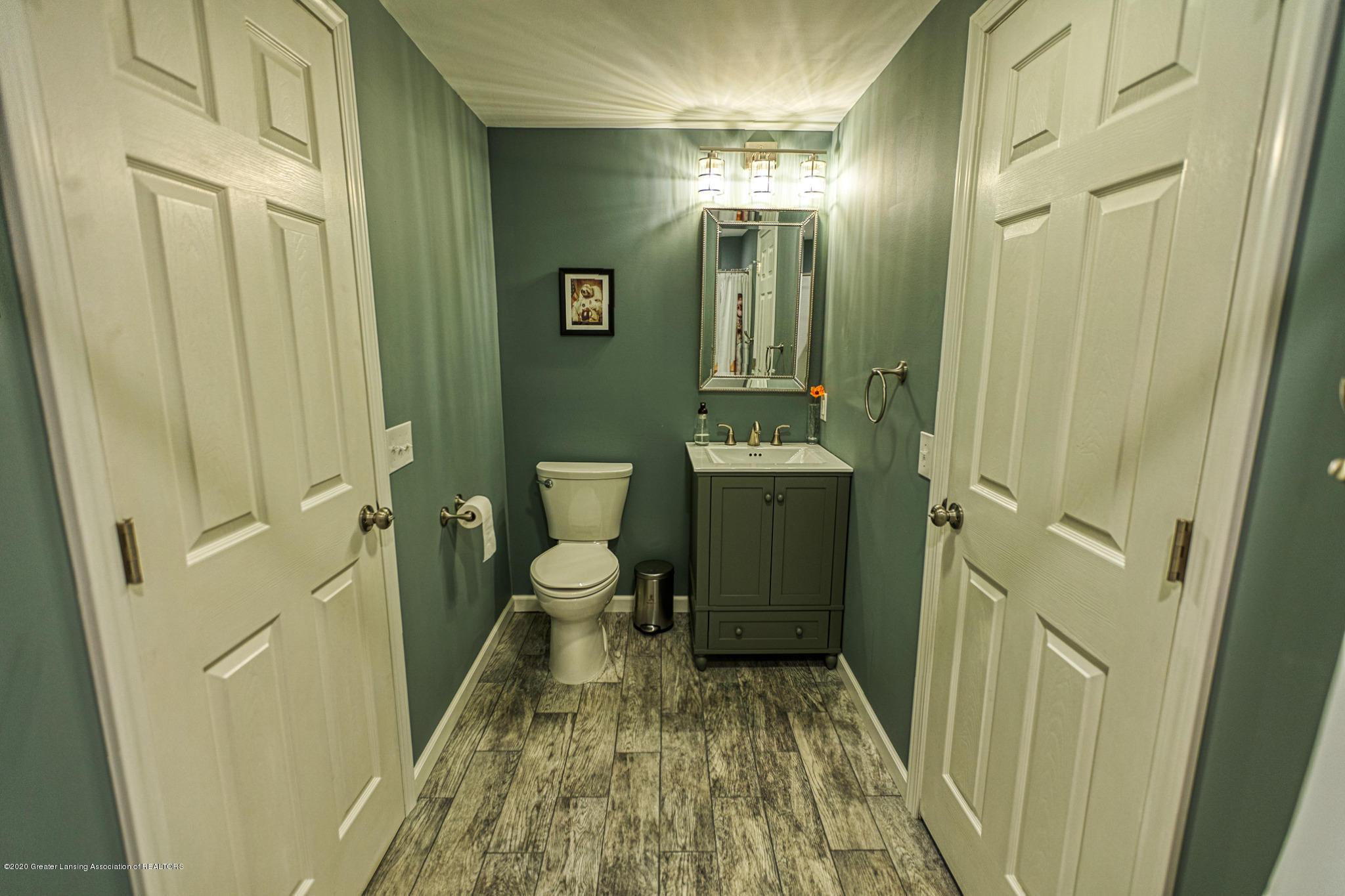 3668 Fairhills Dr - Full Bathroom - 23