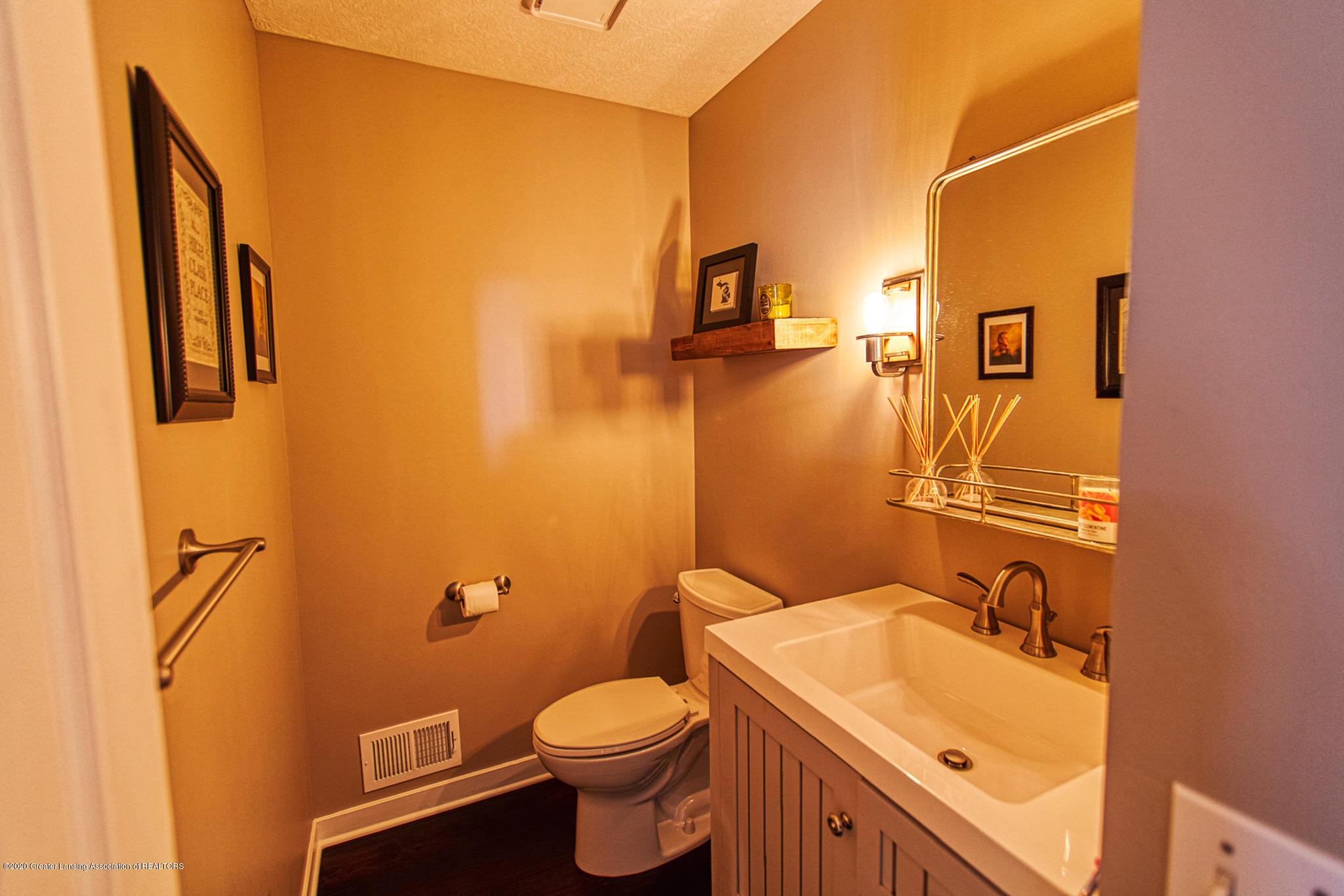 3668 Fairhills Dr - Bathroom - 26