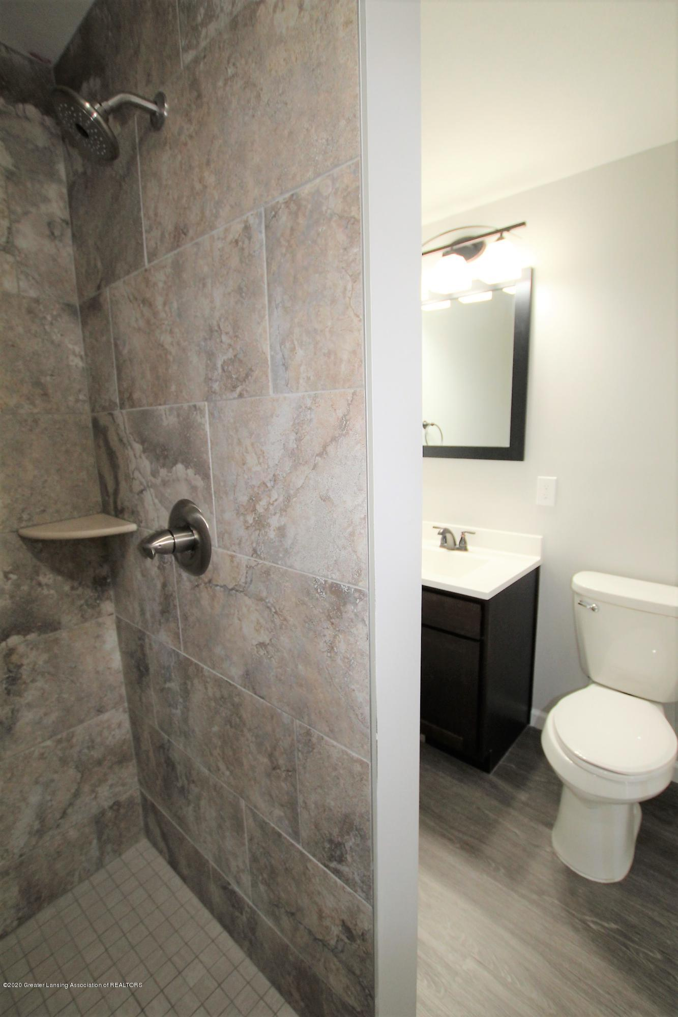 425 North St - Master Bath - 29