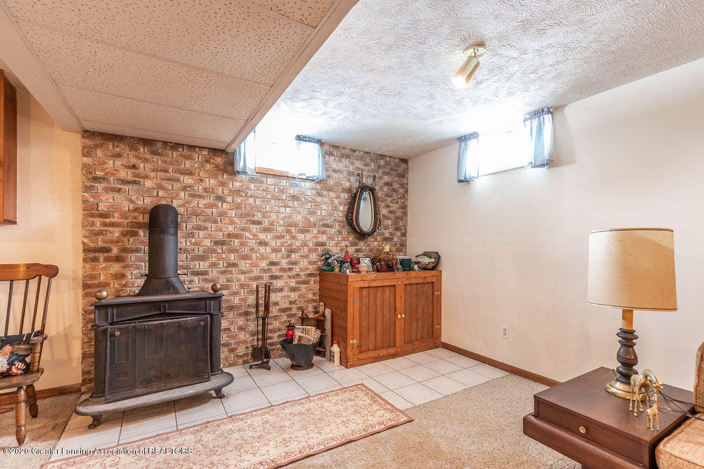 1790 S Ainger Rd - Wood Stove - 20