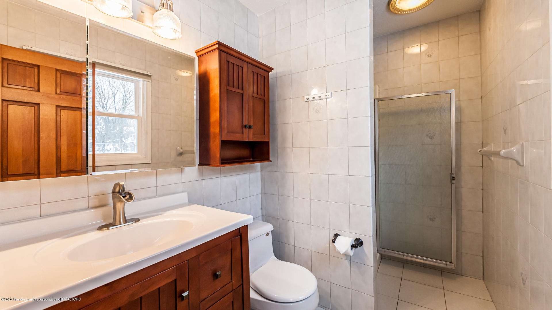 1102 Fairway Ln - Bathroom - 20