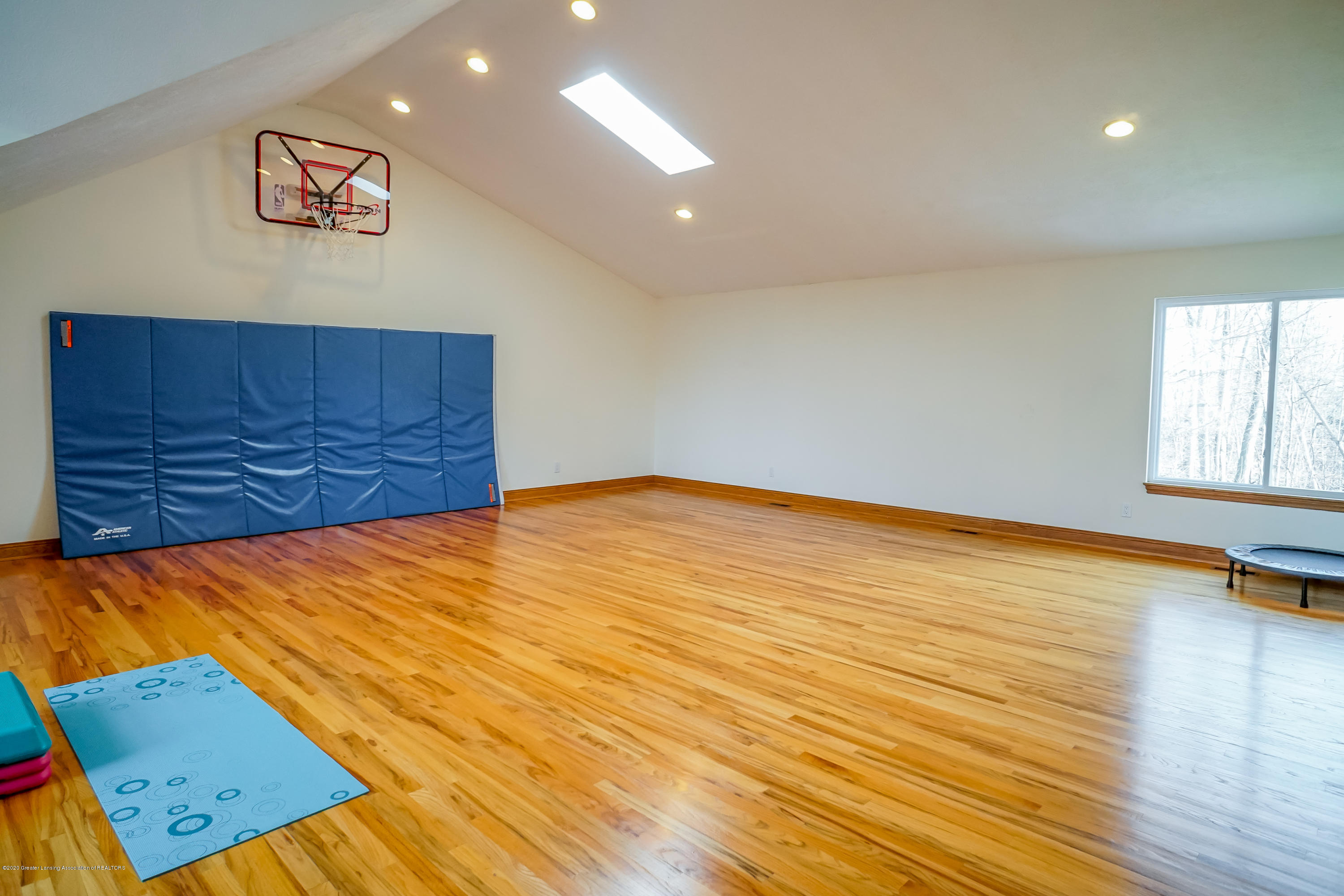 3700 Beech Tree Ln - INDOOR SPORT SPACE - 54