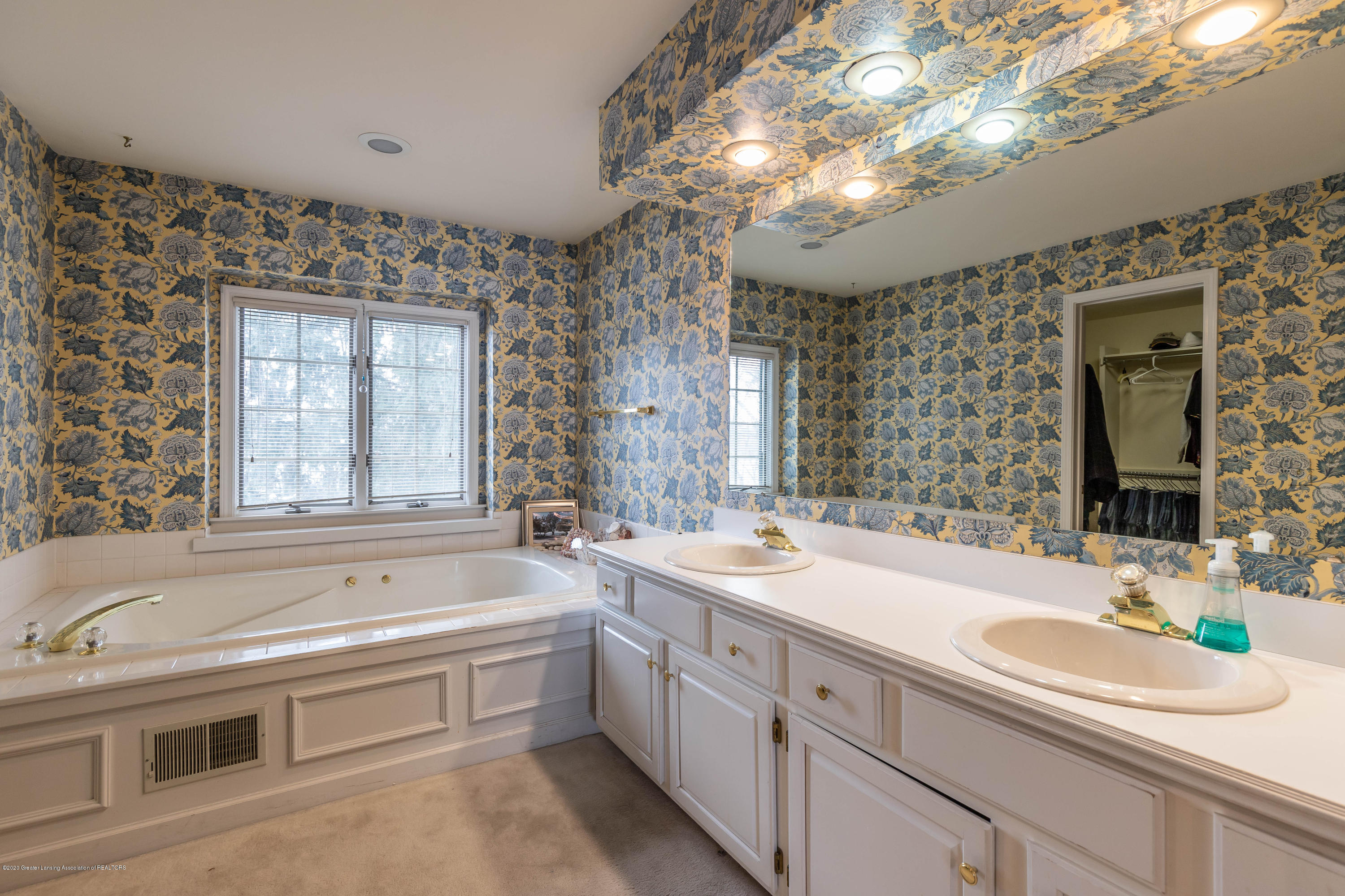 2125 White Owl Way - Master Bath - 29
