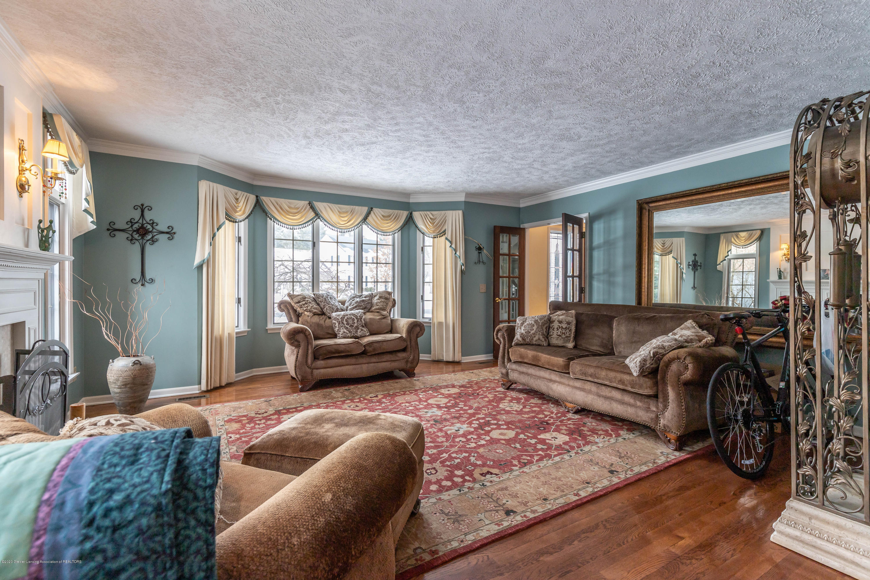 2125 White Owl Way - Living Room - 11