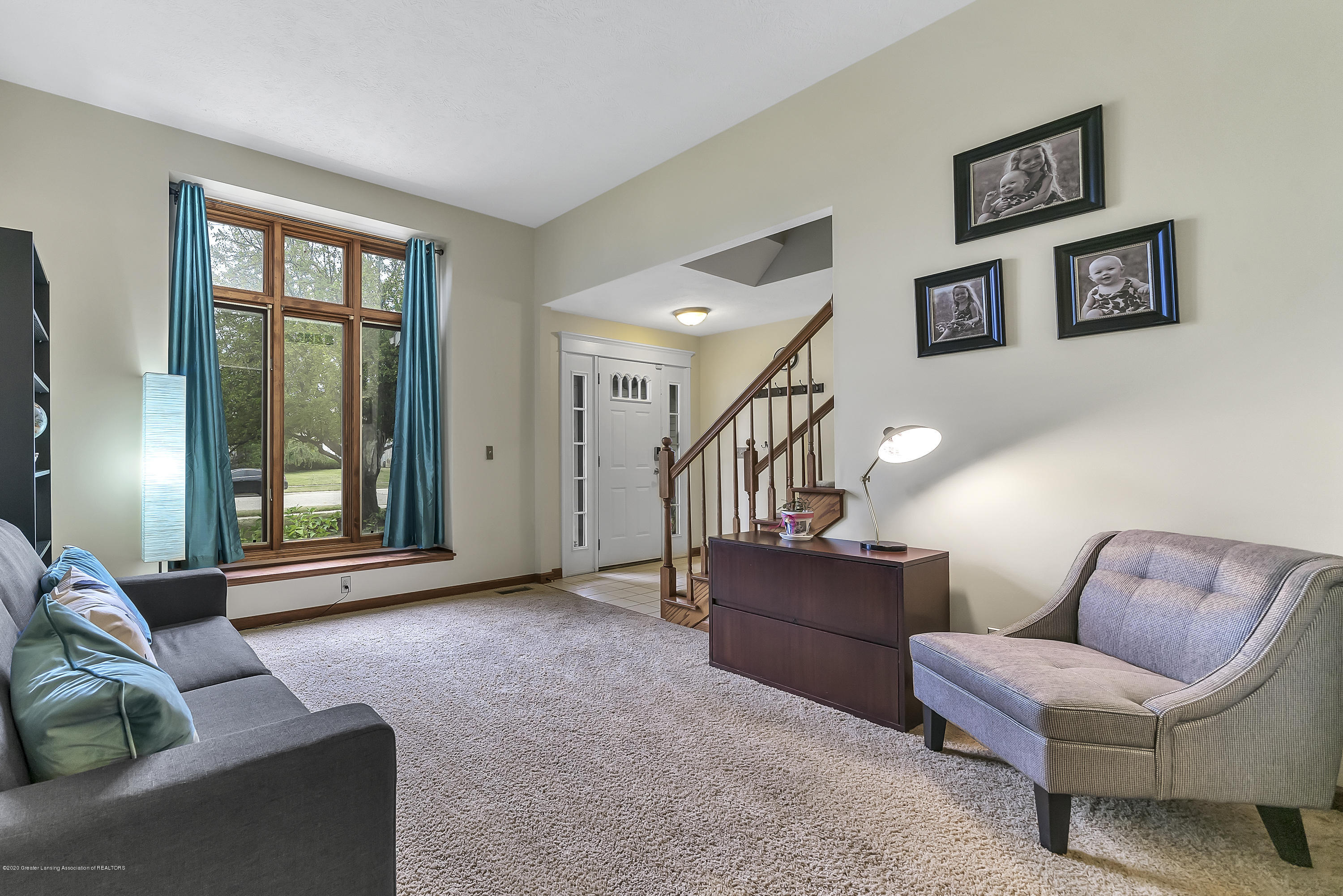 2282 Moorwood Dr - Great Room - 3