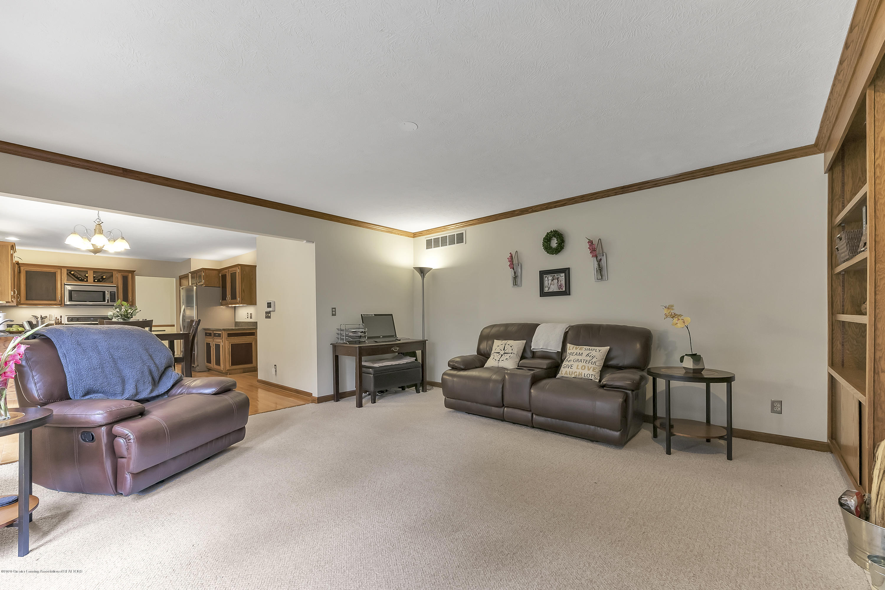 2282 Moorwood Dr - Family Room - 6