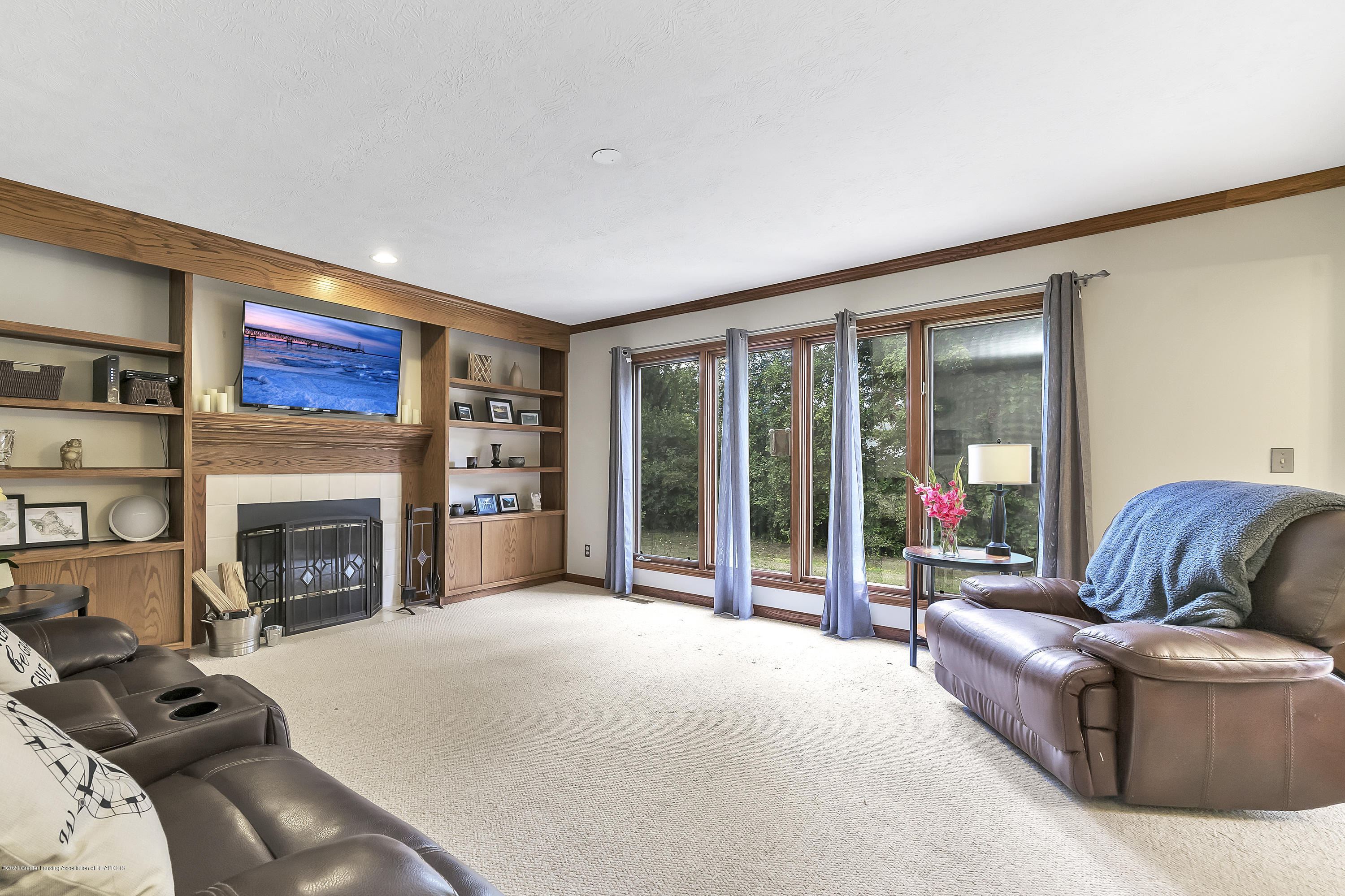 2282 Moorwood Dr - Family Room - 8