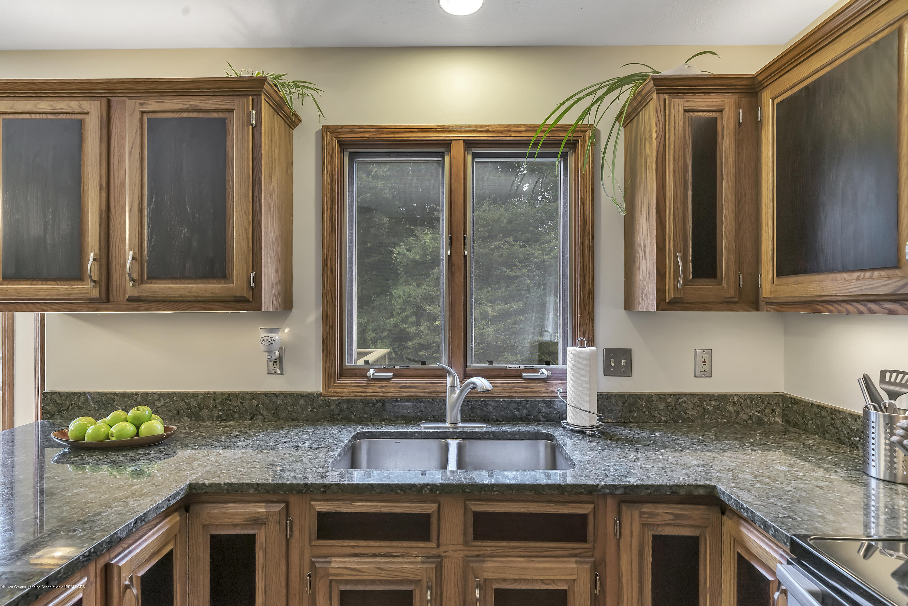 2282 Moorwood Dr - Kitchen - 9