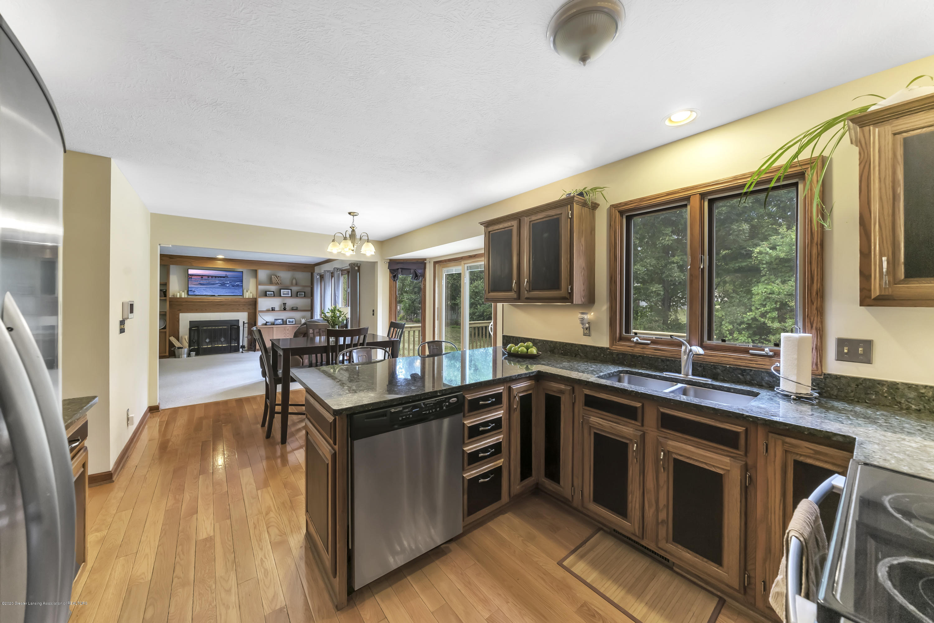 2282 Moorwood Dr - Kitchen - 11