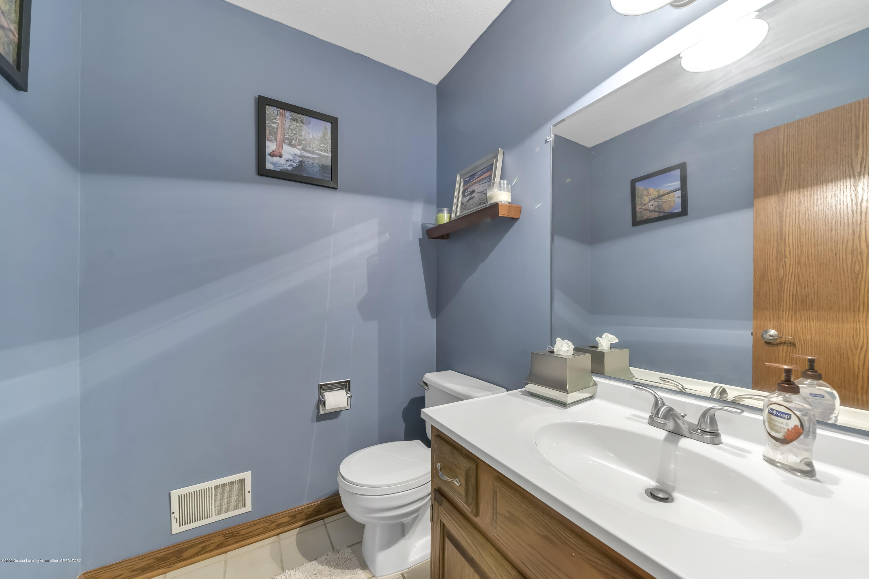 2282 Moorwood Dr - First Floor Half Bath - 14