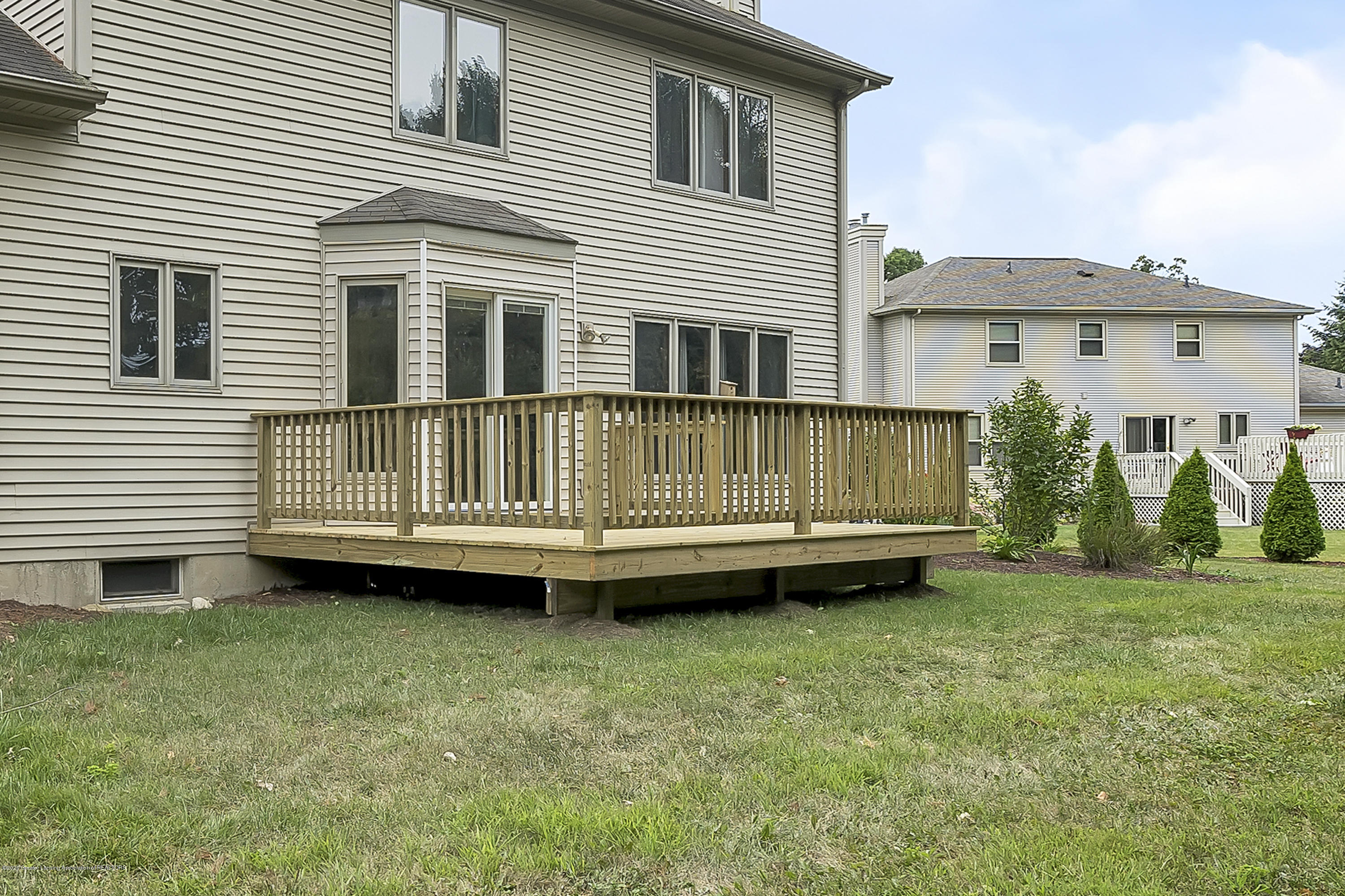 2282 Moorwood Dr - New Deck - 32