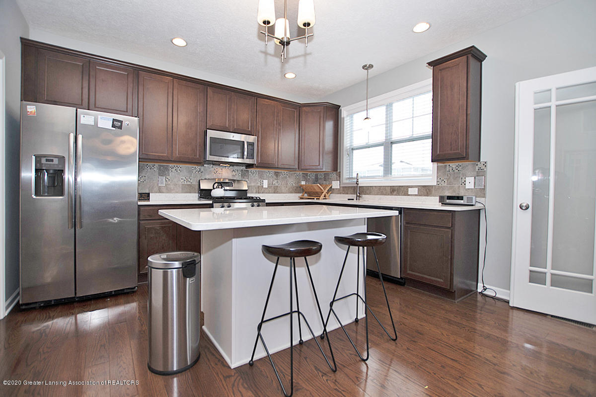 2753 Kittansett Dr - Gourmet Kitchen - 22
