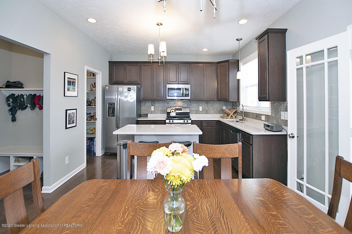 2753 Kittansett Dr - Gourmet Kitchen - 26
