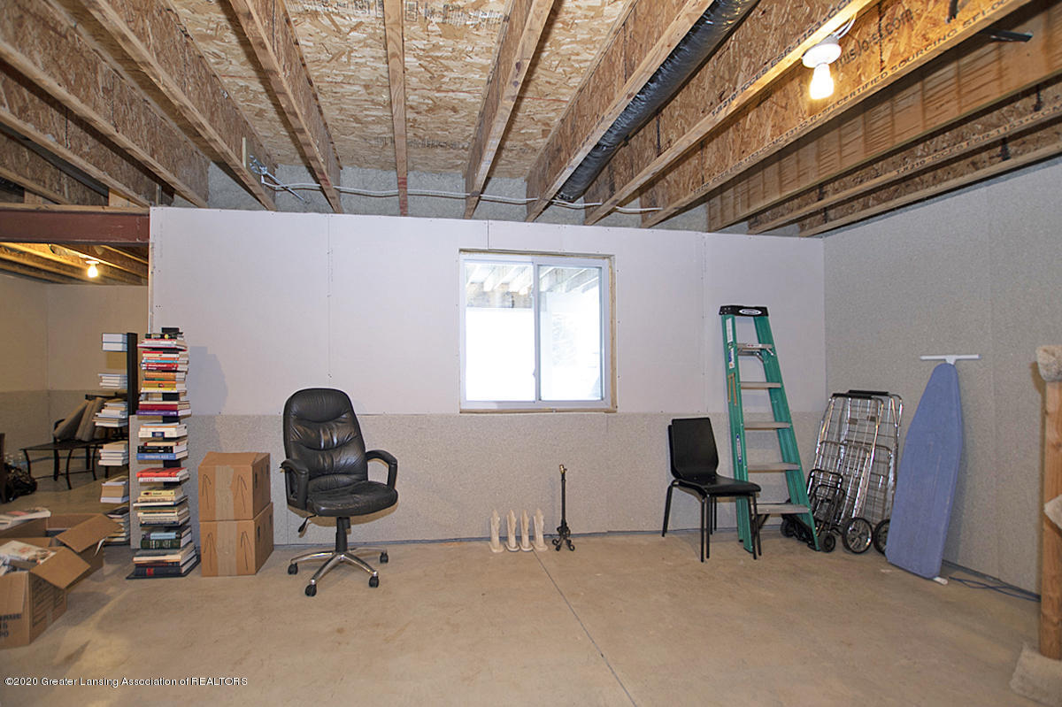 2753 Kittansett Dr - Daylight Basement - 55
