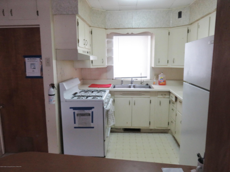943 Dakin St - Kitchen - 6