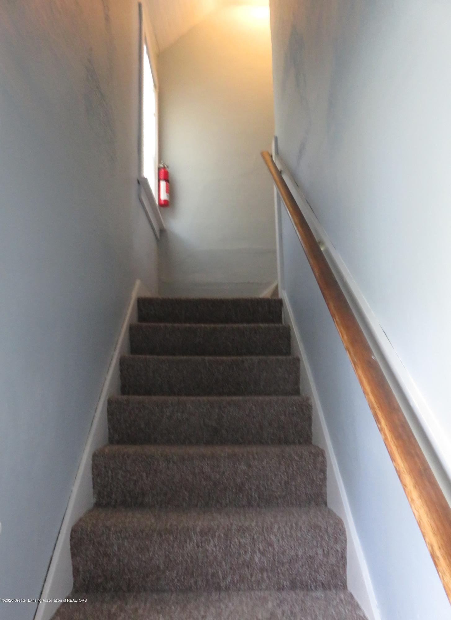 943 Dakin St - Stairs to 2nd floor - 11