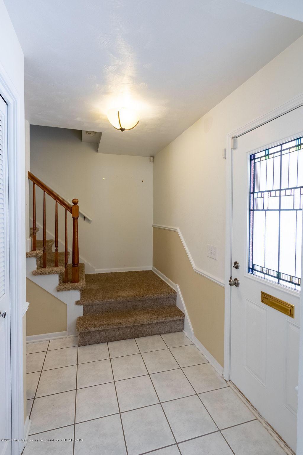 1614 Kingswood Dr - Foyer - 2