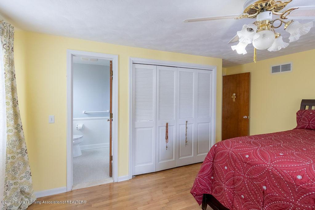 1614 Kingswood Dr - Master Bedroom - 17