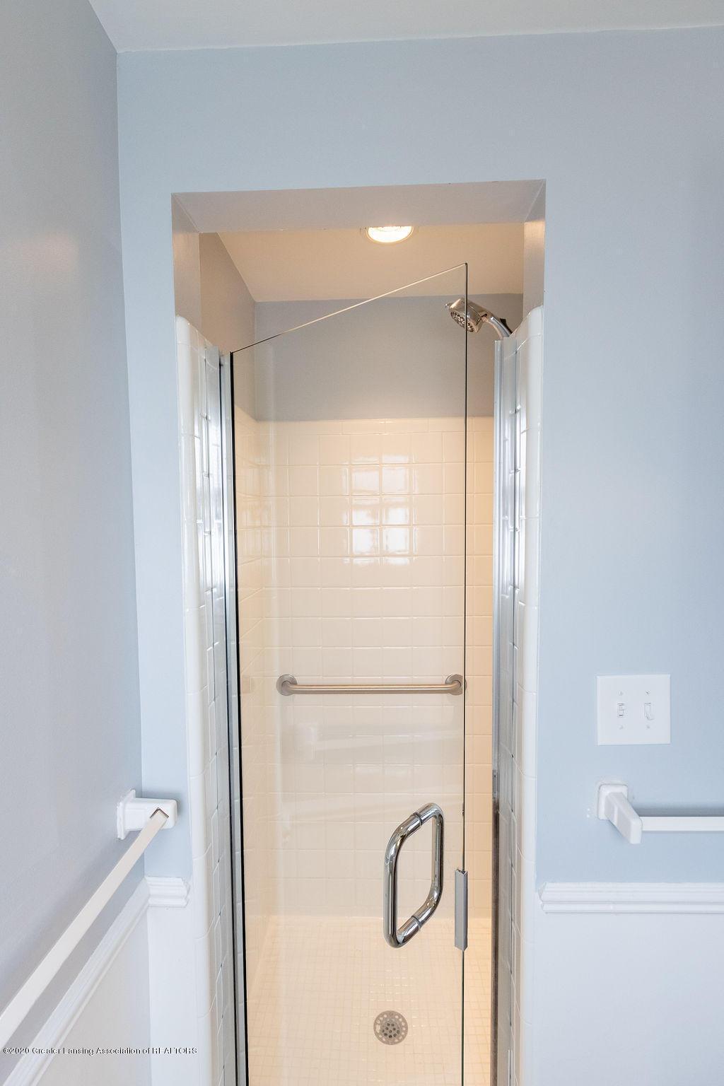 1614 Kingswood Dr - Second Floor Bath - 25