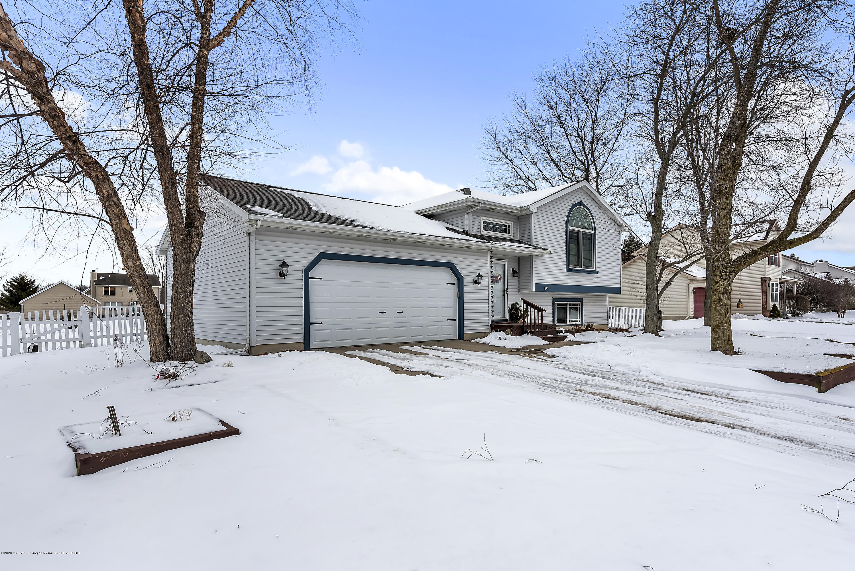 2450 Featherstone Dr - 2450-Featherstone-Dr-WindowStill-Real-Es - 4