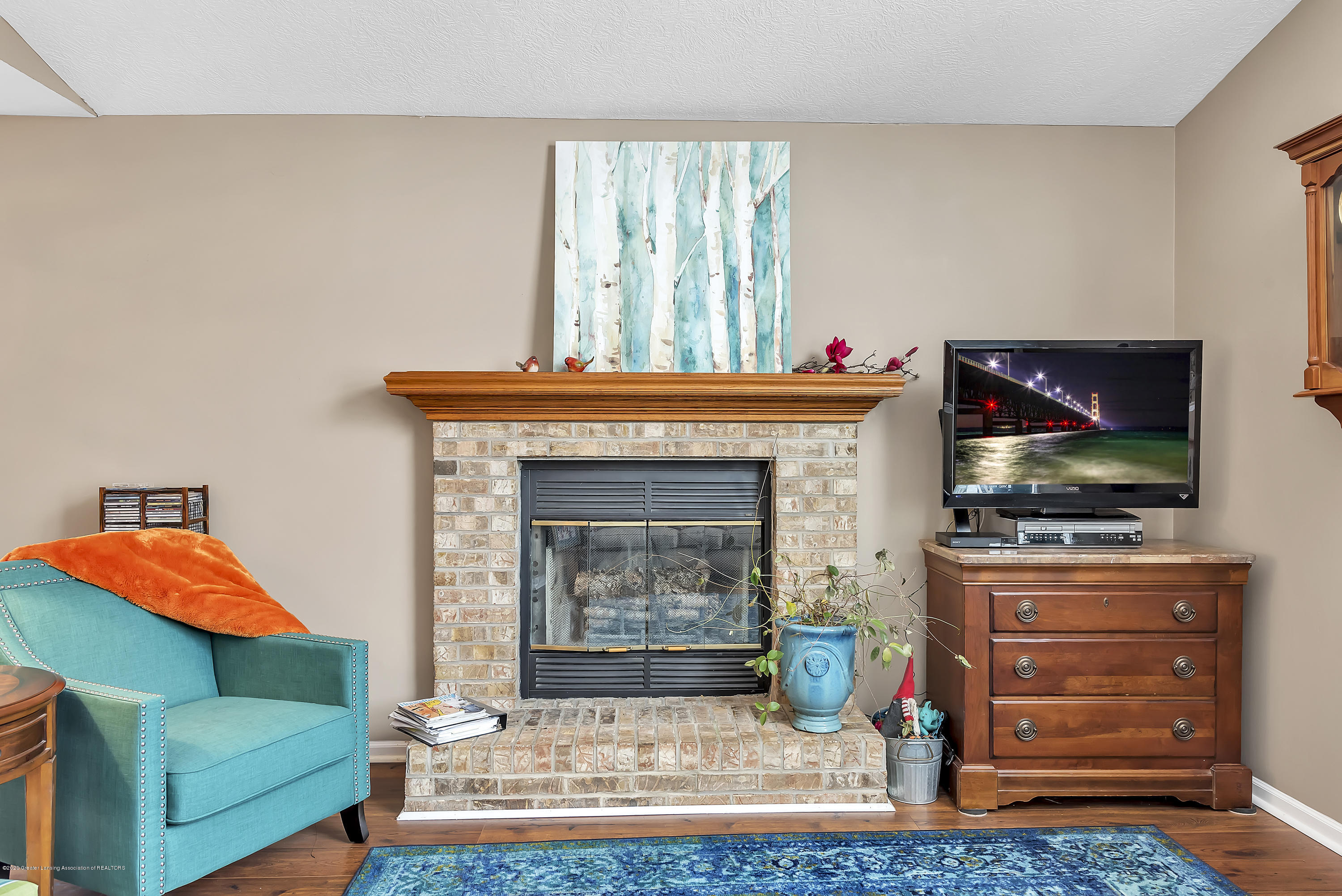 2450 Featherstone Dr - 2450-Featherstone-Dr-WindowStill-Real-Es - 8