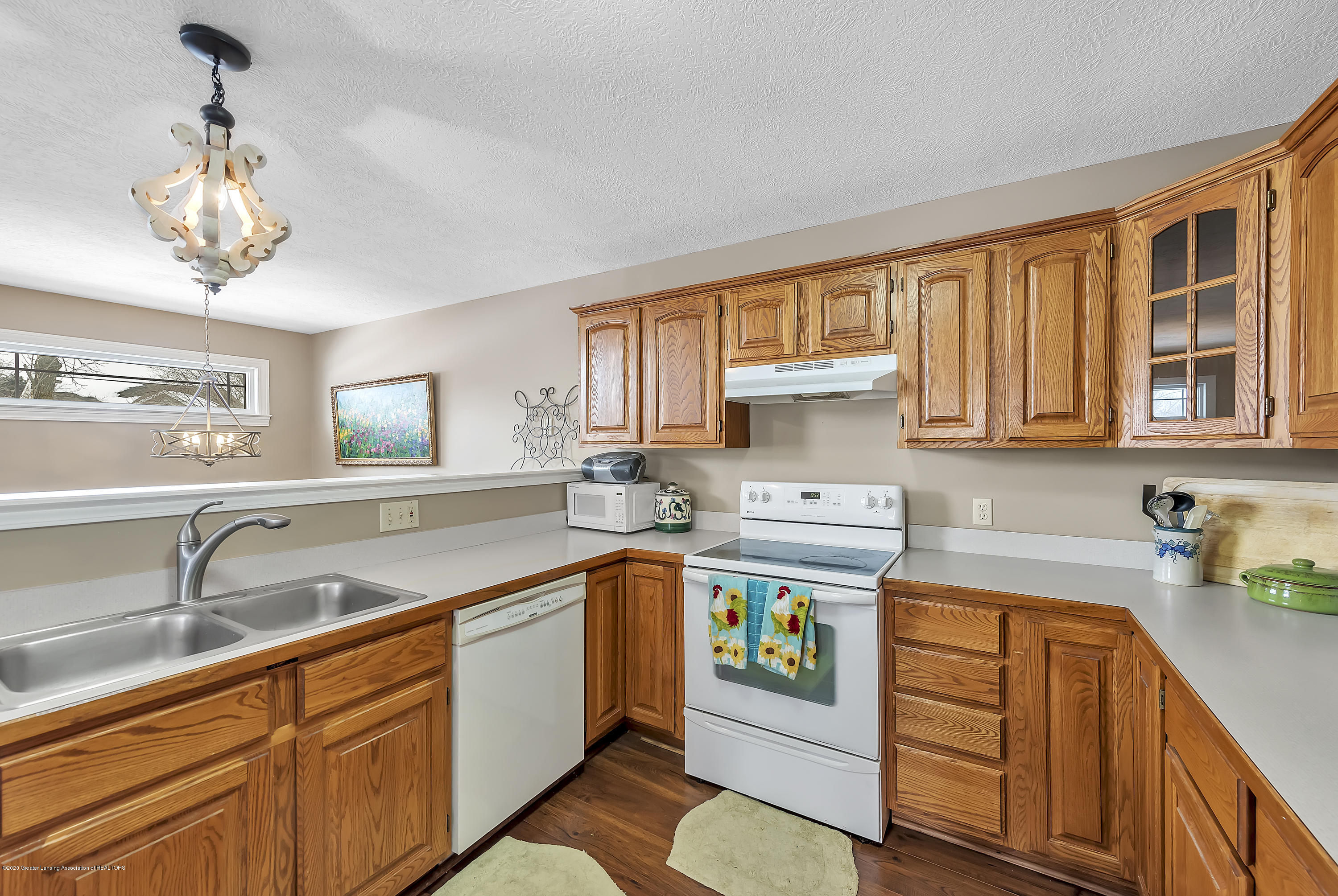 2450 Featherstone Dr - 2450-Featherstone-Dr-WindowStill-Real-Es - 11