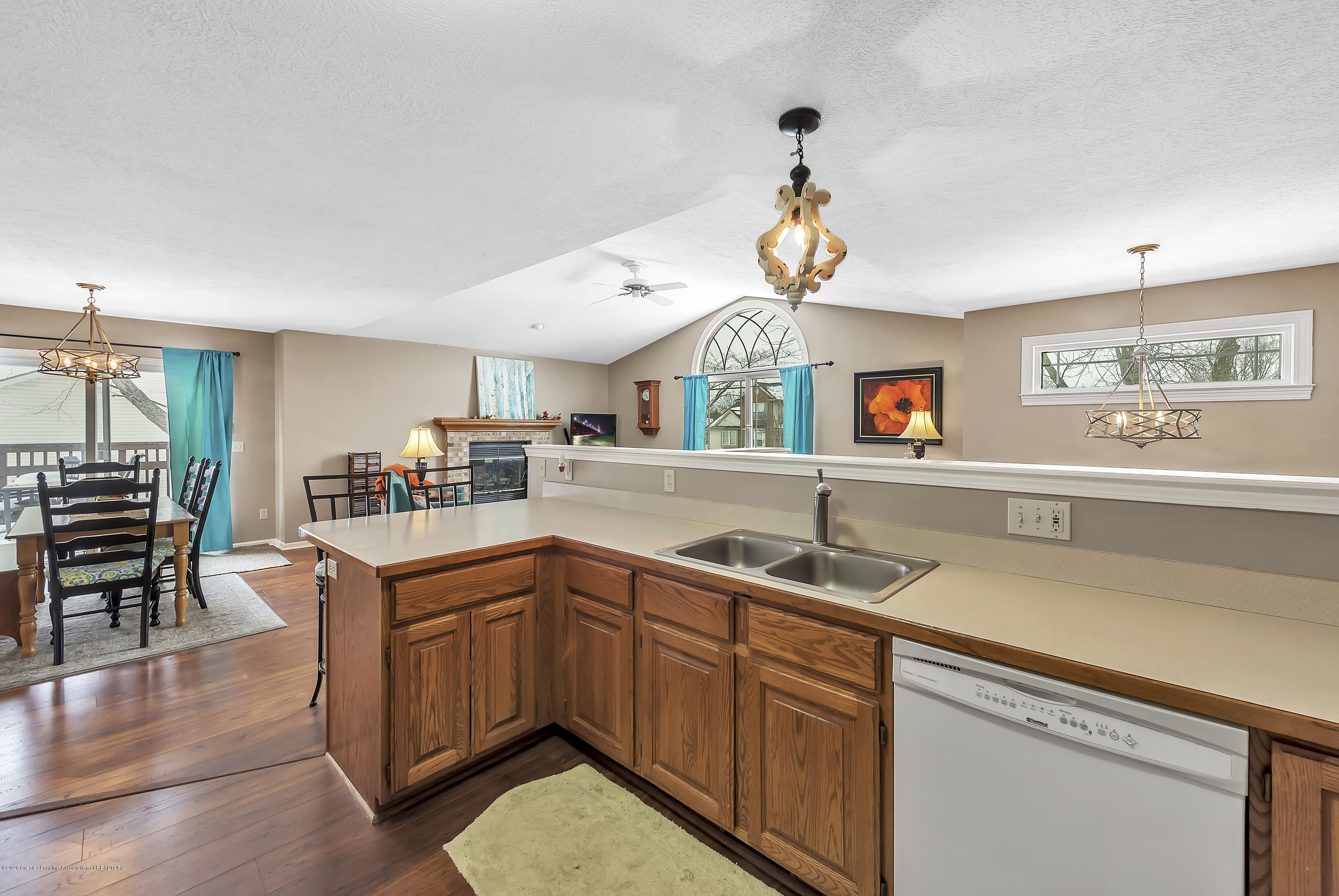 2450 Featherstone Dr - 2450-Featherstone-Dr-WindowStill-Real-Es - 12