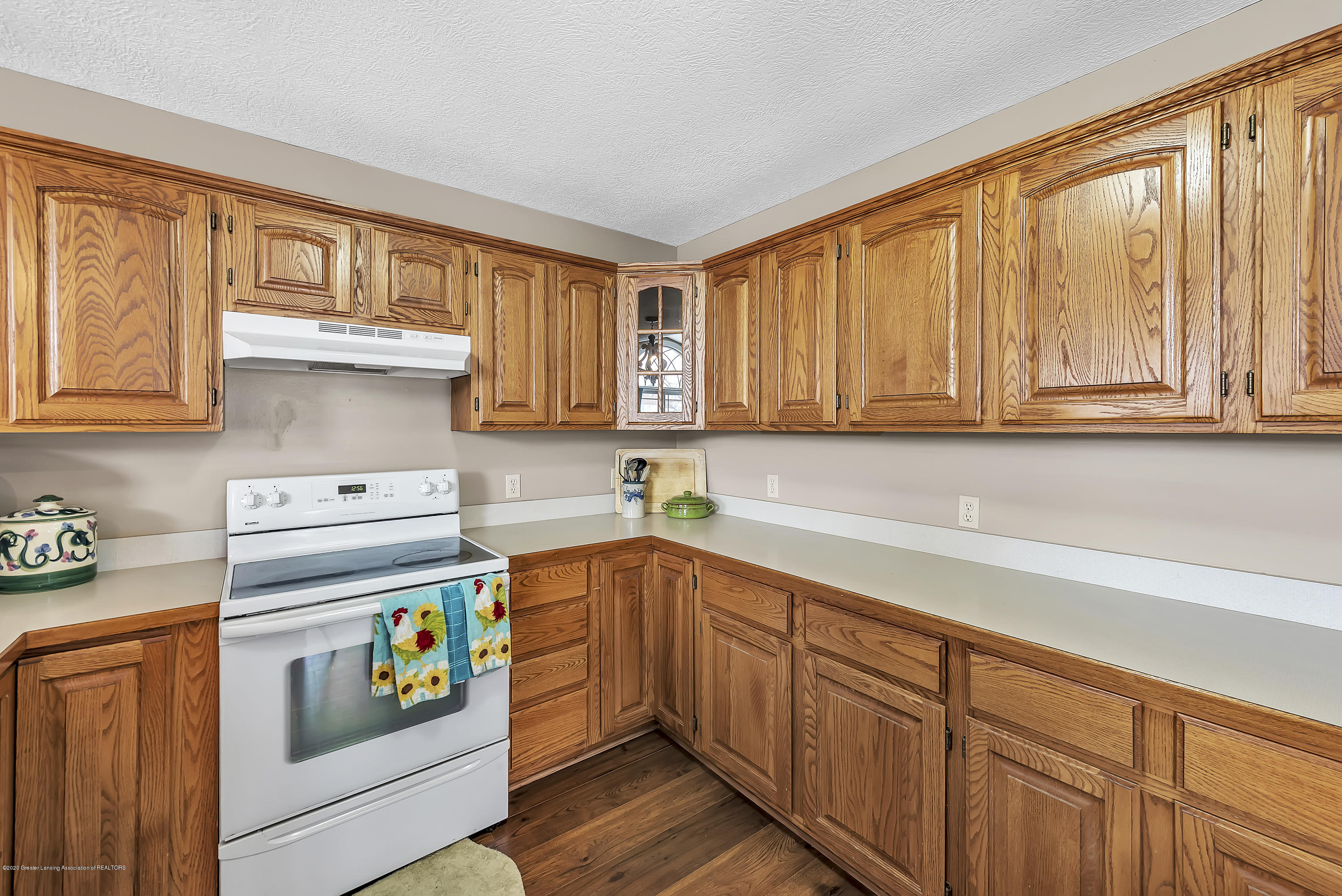 2450 Featherstone Dr - 2450-Featherstone-Dr-WindowStill-Real-Es - 14