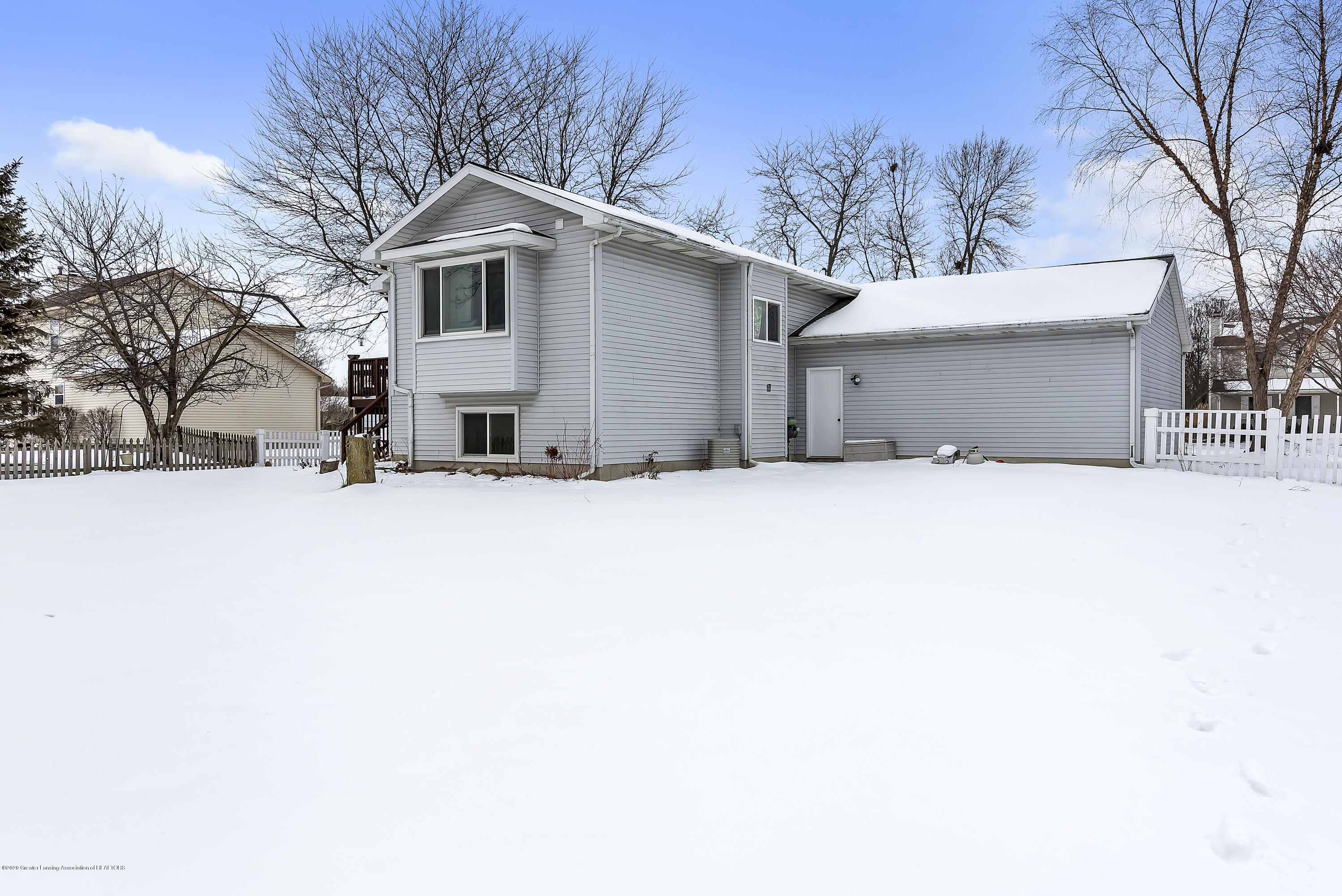 2450 Featherstone Dr - 2450-Featherstone-Dr-WindowStill-Real-Es - 30