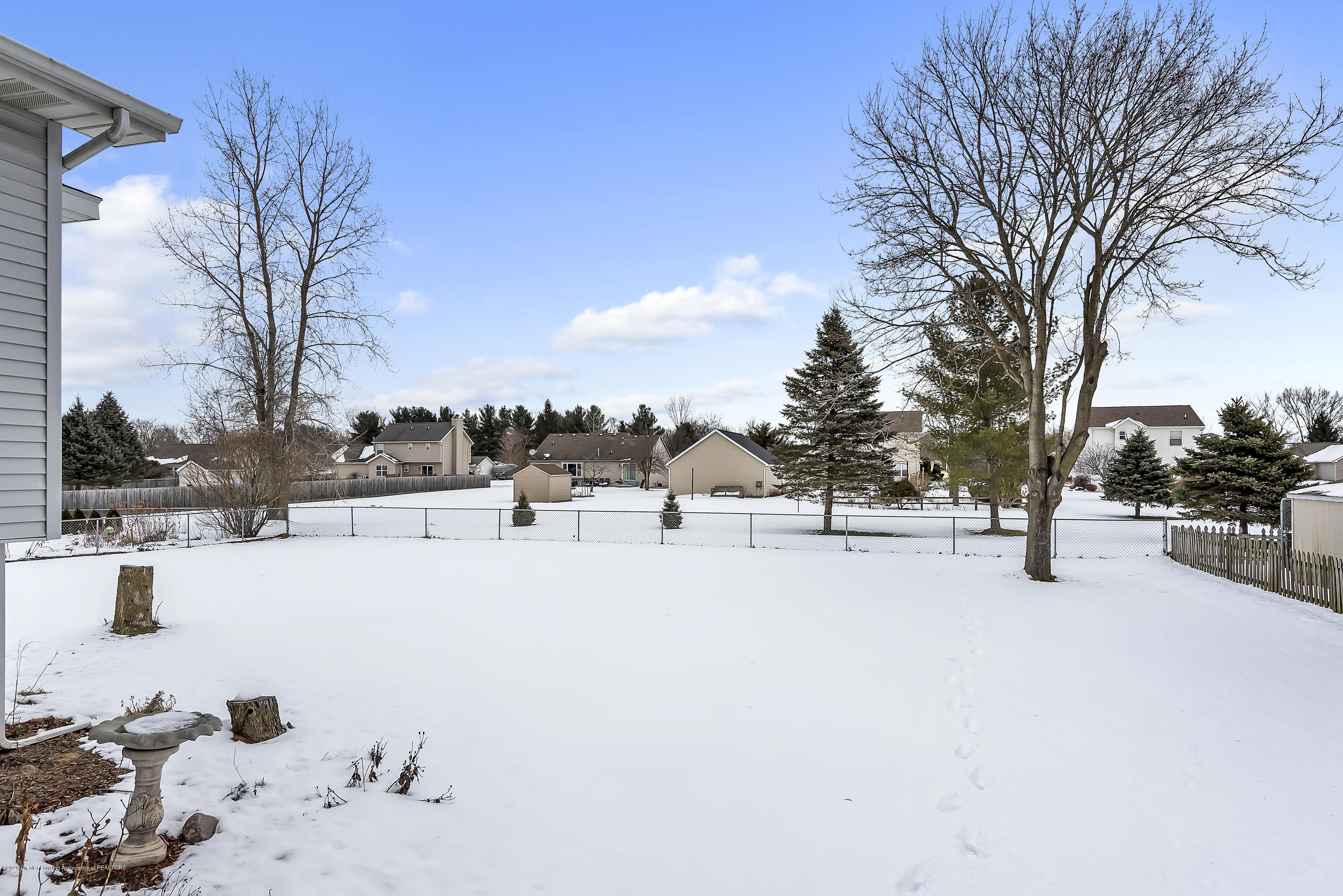 2450 Featherstone Dr - 2450-Featherstone-Dr-WindowStill-Real-Es - 33