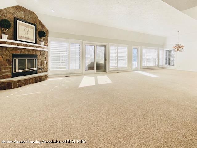6074 E Longview Dr - Living Room - 7