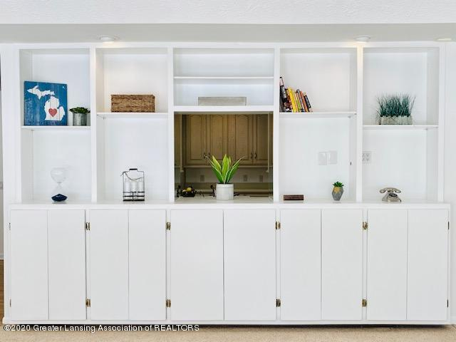 6074 E Longview Dr - Built-in Shelves - 10