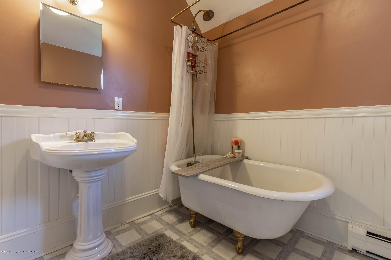 405 W Jefferson St - Bathroom - 35