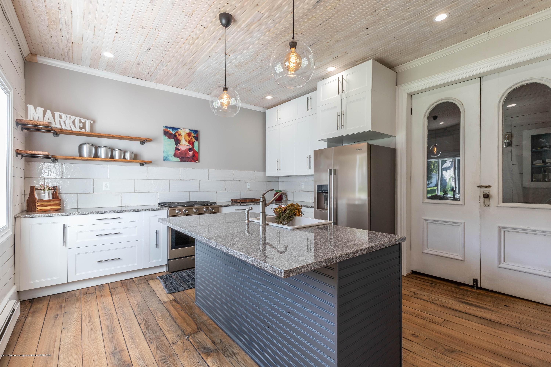 405 W Jefferson St - Kitchen - 11