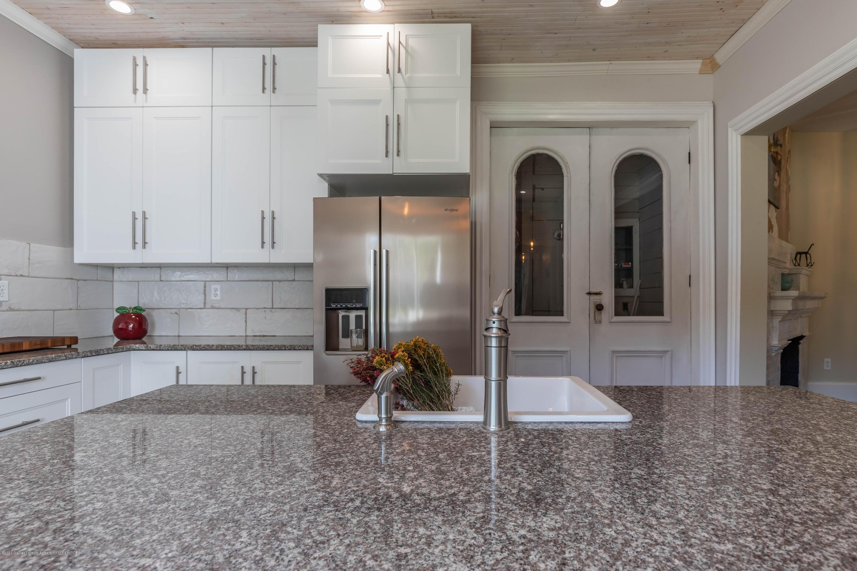 405 W Jefferson St - Kitchen - 16