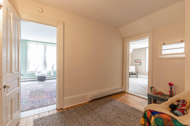 405 W Jefferson St - Upstairs - 26