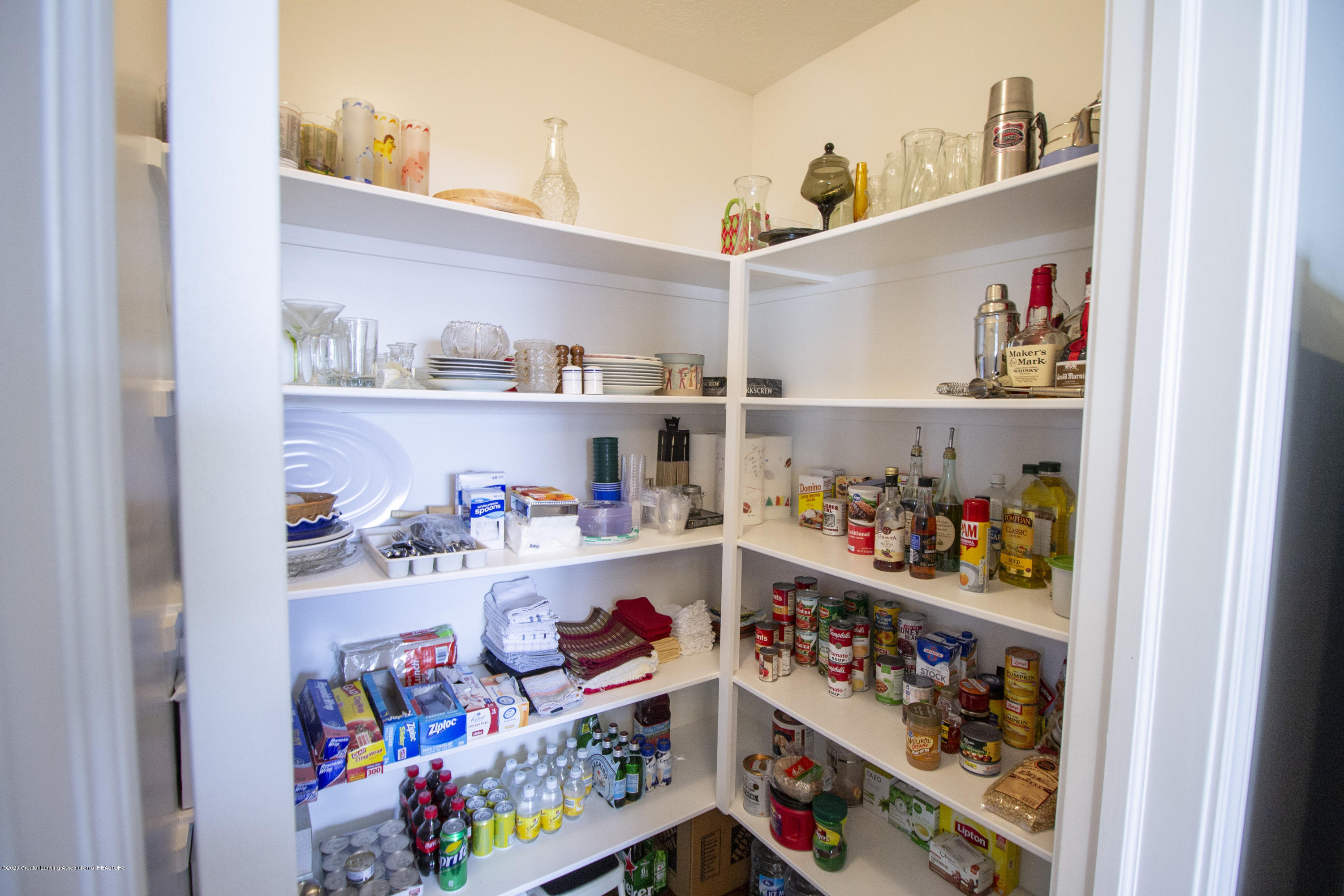 2753 Kittansett Dr - pantry 1 - 29