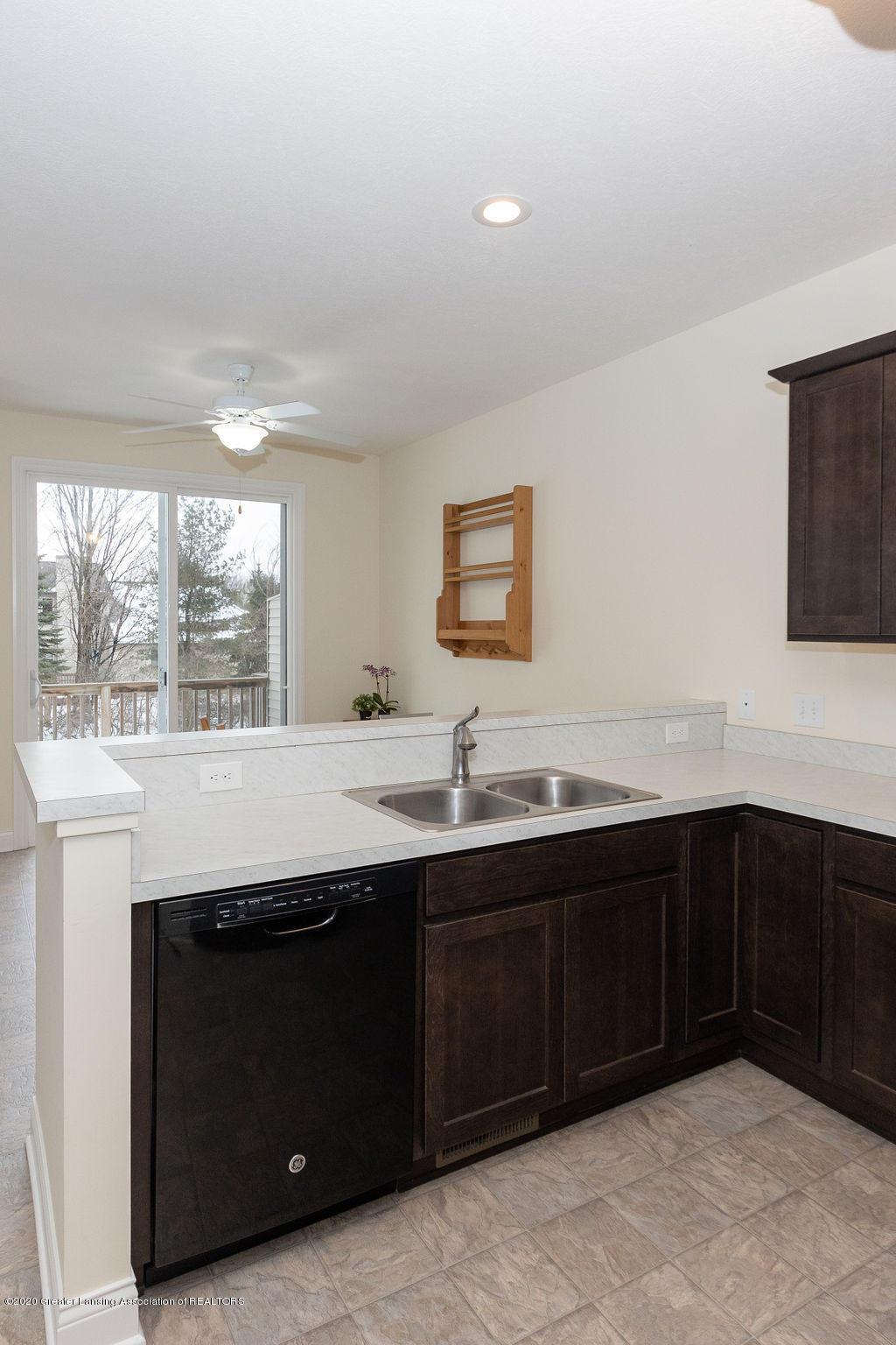2317 Fieldstone Dr - Kitchen - 11