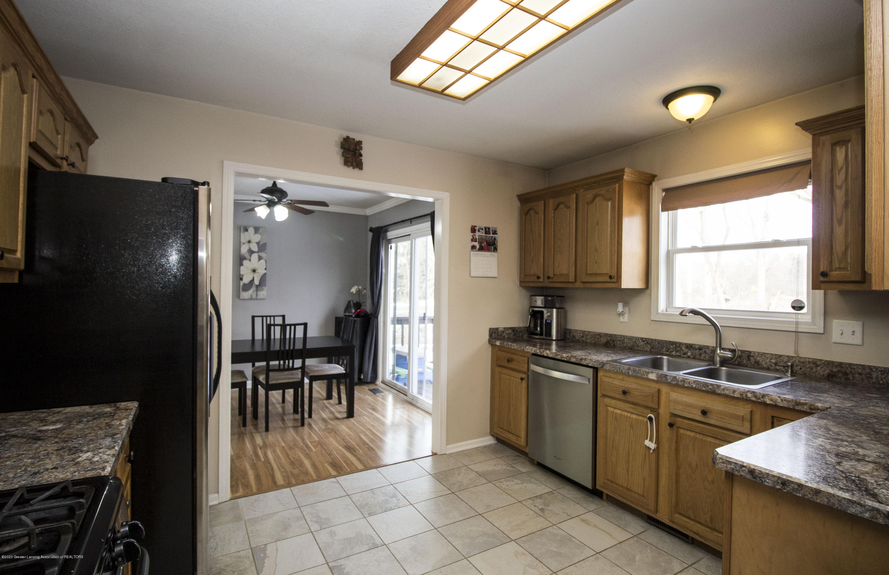 5498 Caplina Dr - Kitchen 2 - 11