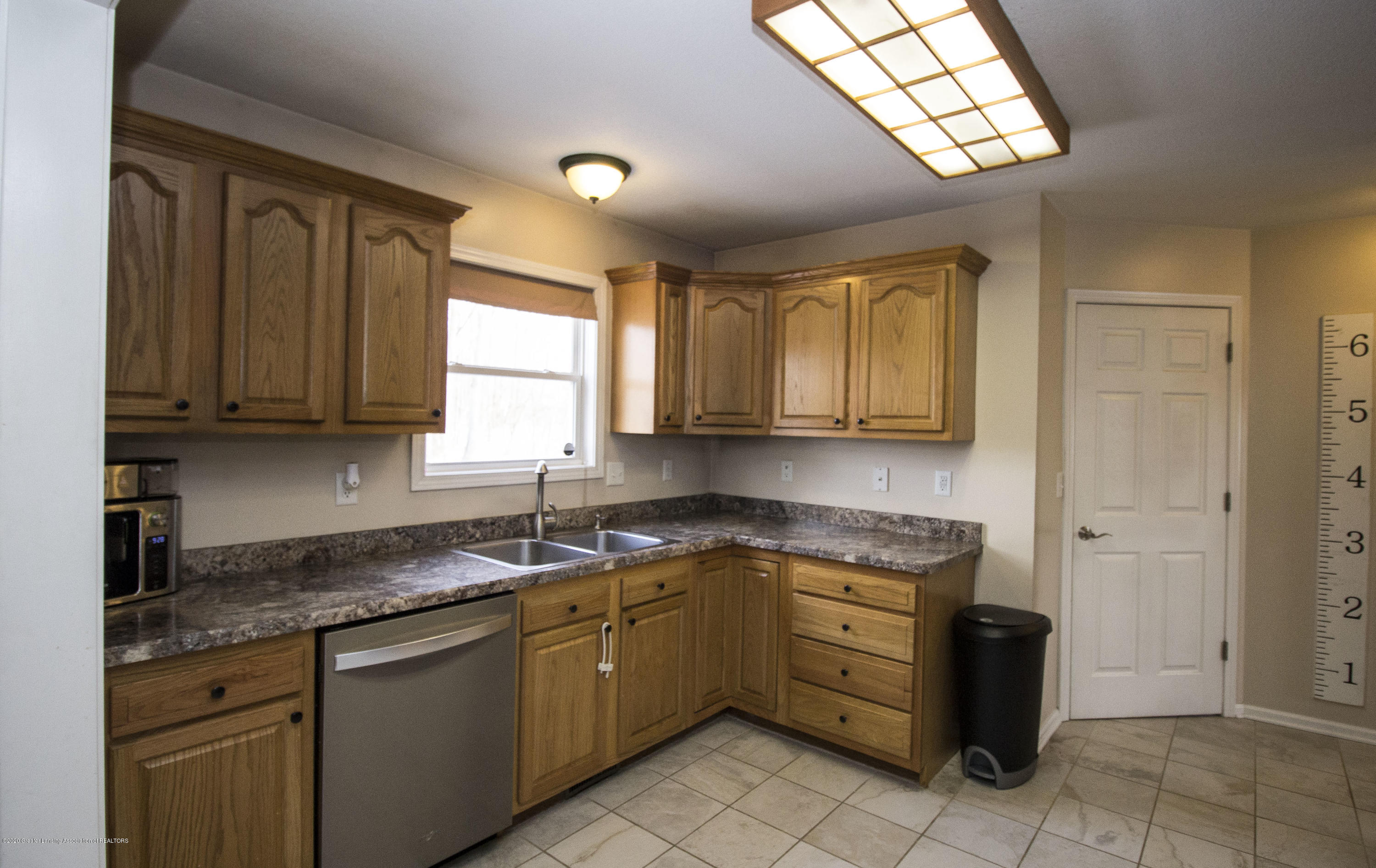 5498 Caplina Dr - Kitchen 3 - 12