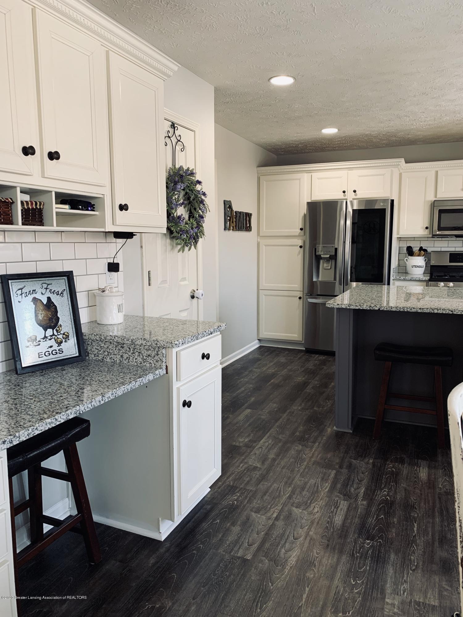 7291 Coneflower Ct - Kitchen - 9