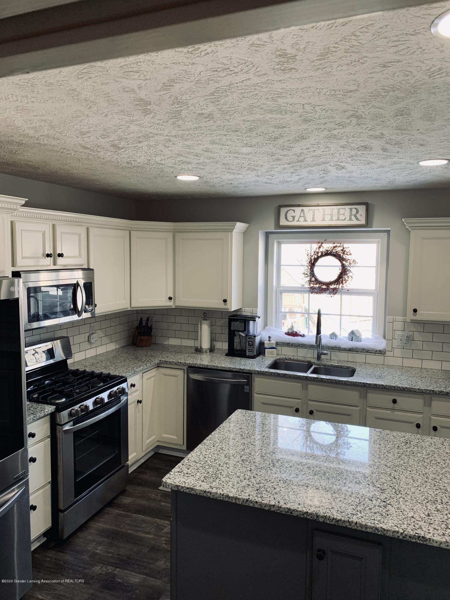 7291 Coneflower Ct - Kitchen - 15